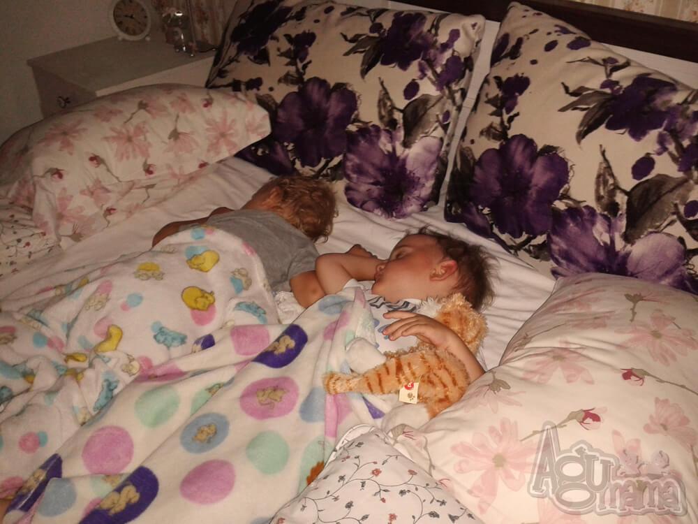 sen a rozwój dziecka śpiące Fasolaki