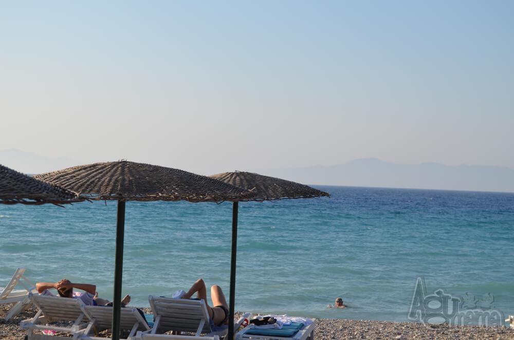 Polak na wakacjach widok na morze
