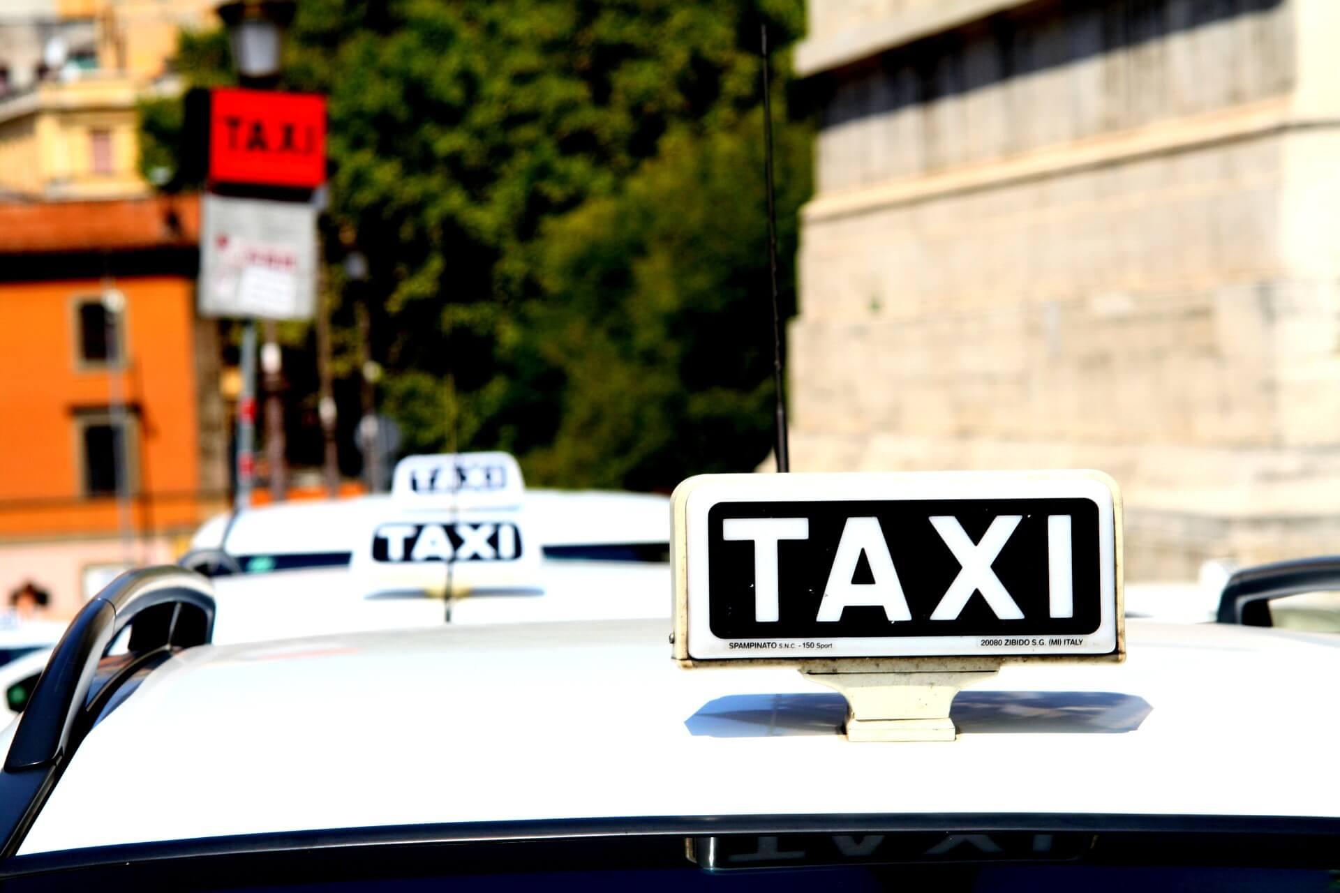 Taksówka z fotelikiem dla dziecka