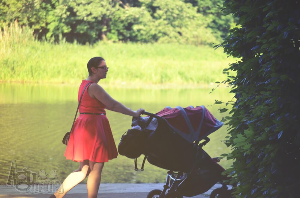Jak długo wozić dziecko w wózku na spacerze