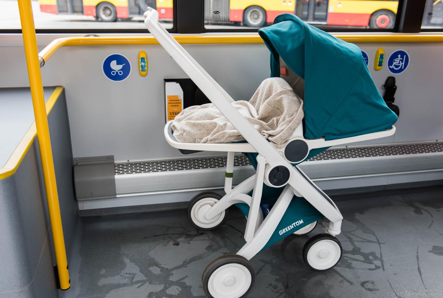 jak bezpiecznie przewozić wózek w autobusie miejsce do przewożenia wózków