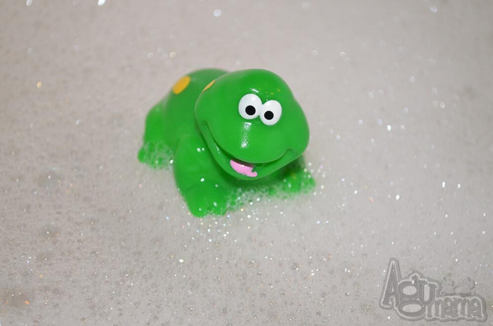 kąpiel dziecka żabka