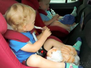 podróż samochodem z małym dzieckiem przerwa na ciumusia