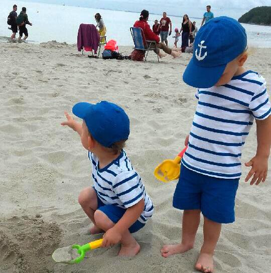 dialogi bliźniąt plaża w Gdyni