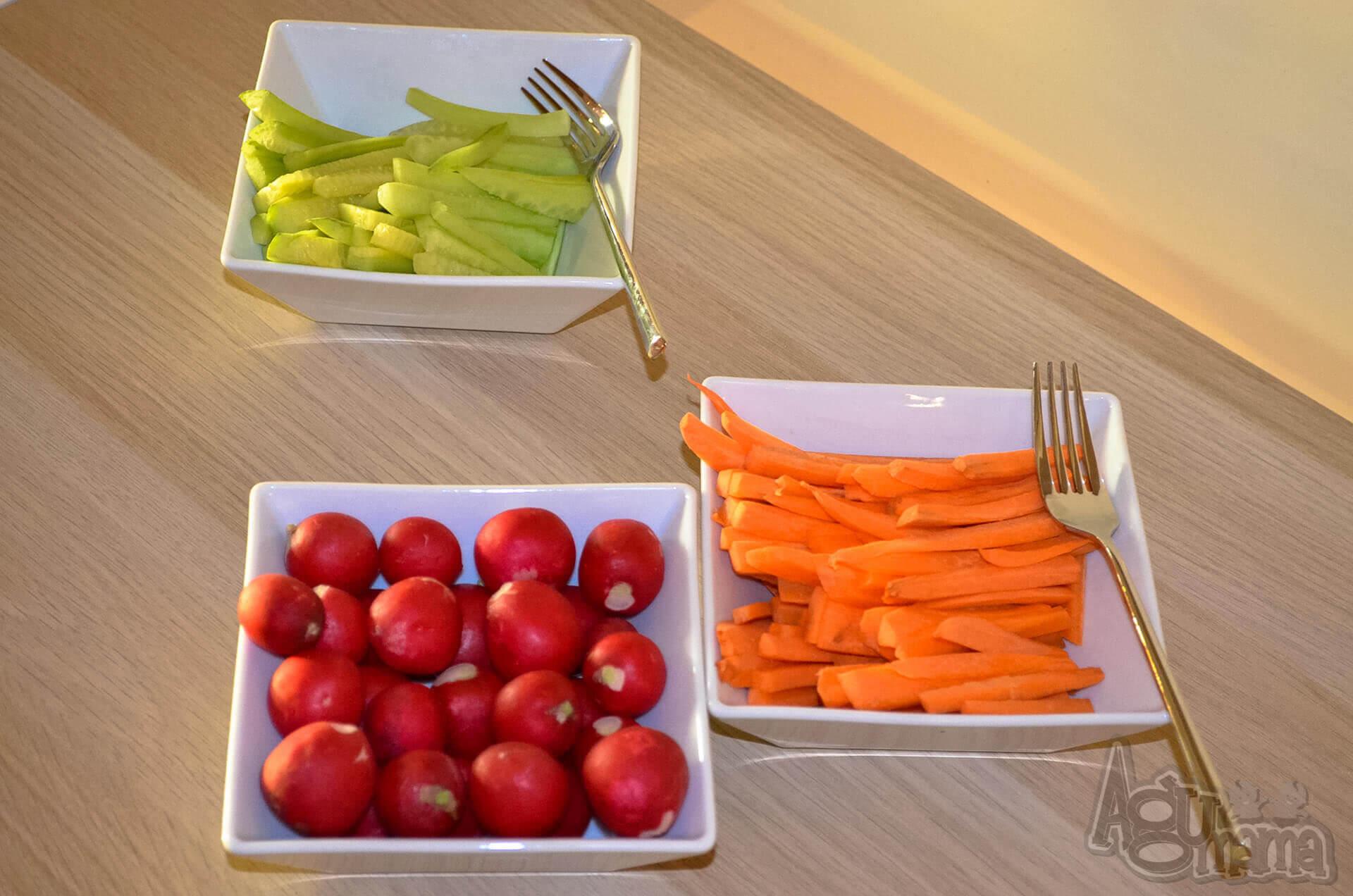 Rodzinne obiady w DeSilva świeże warzywa do chrupania
