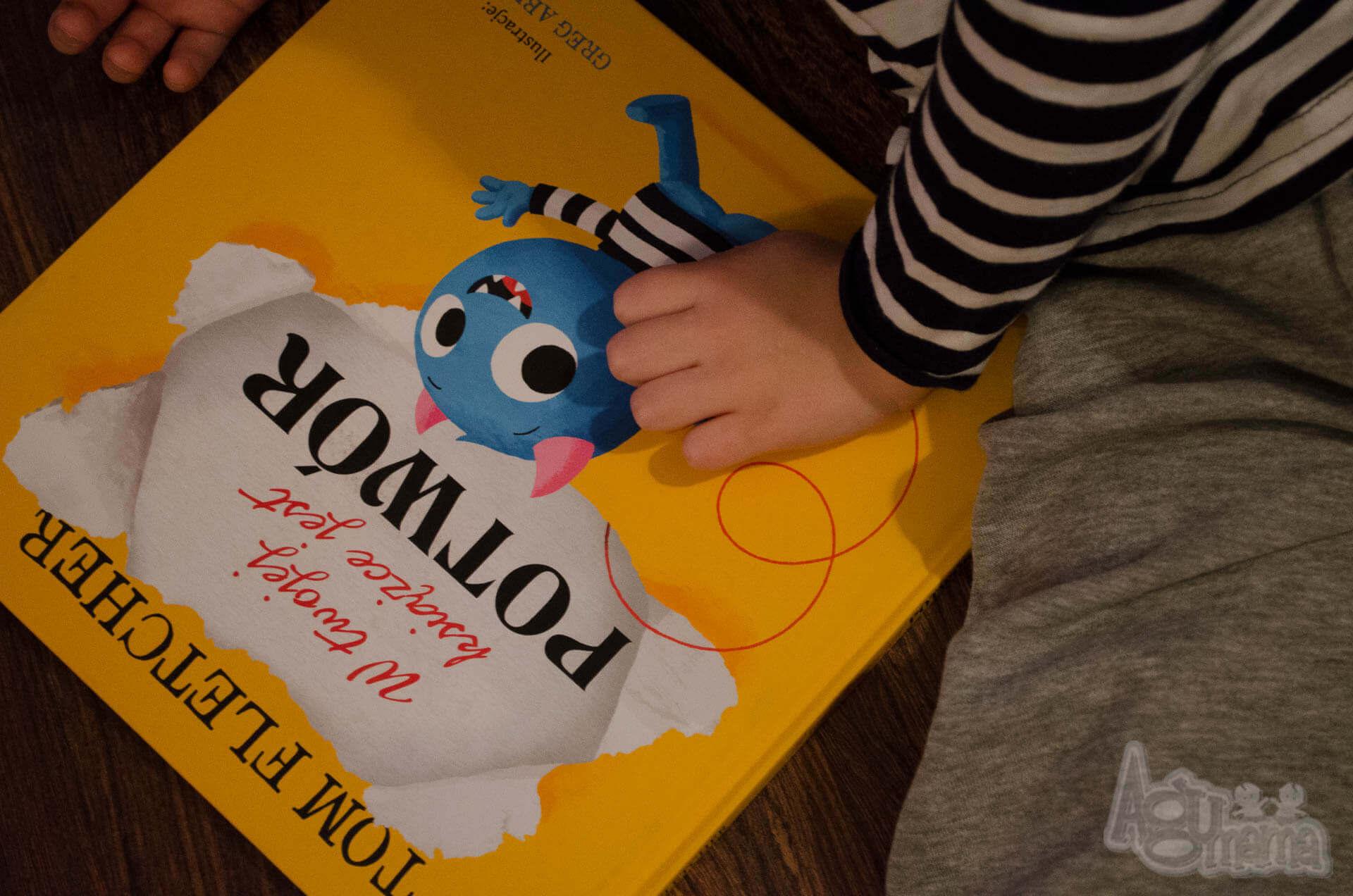 w twojej książce jest potwór