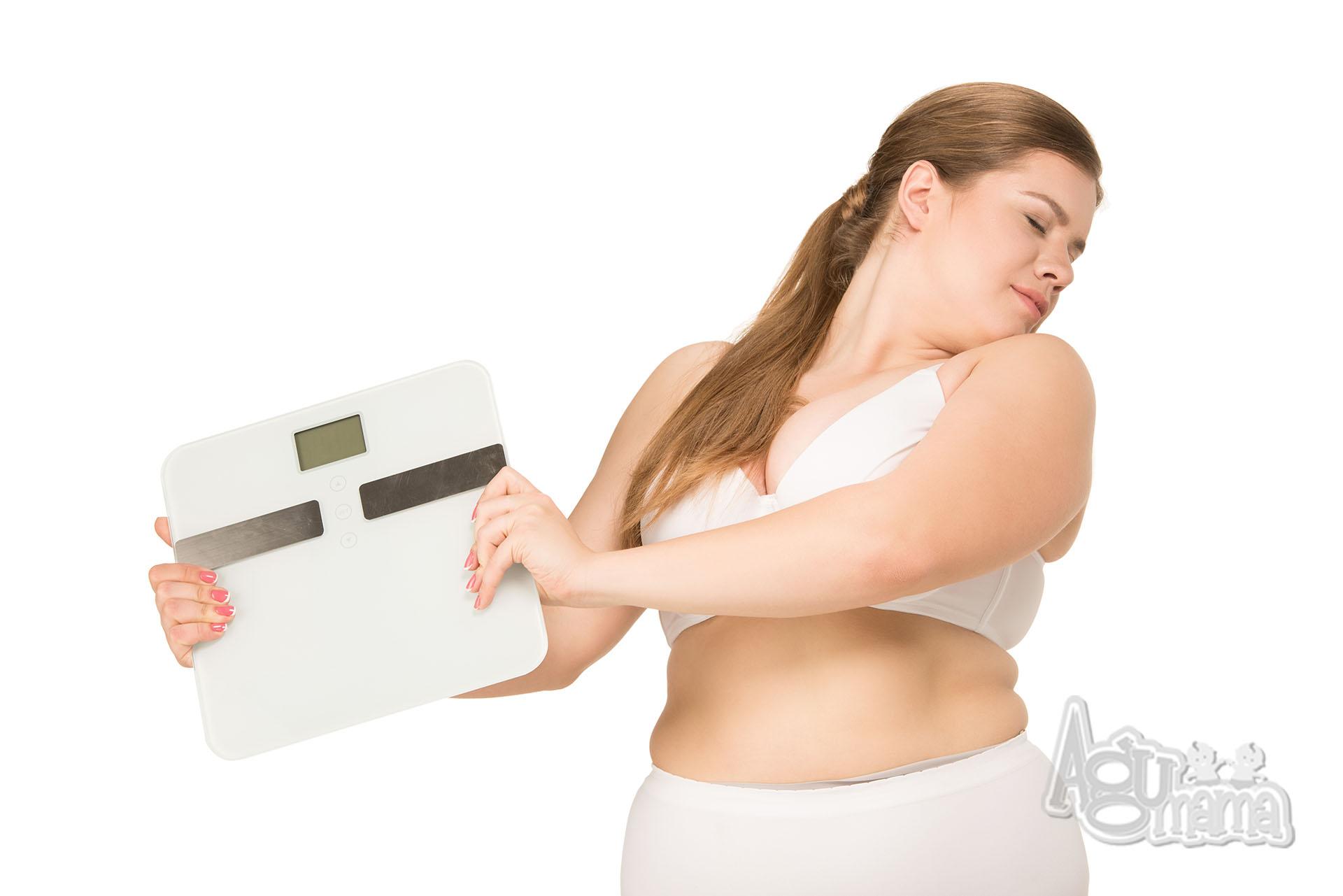 problemy ludzi otyłych kobieta z wagą