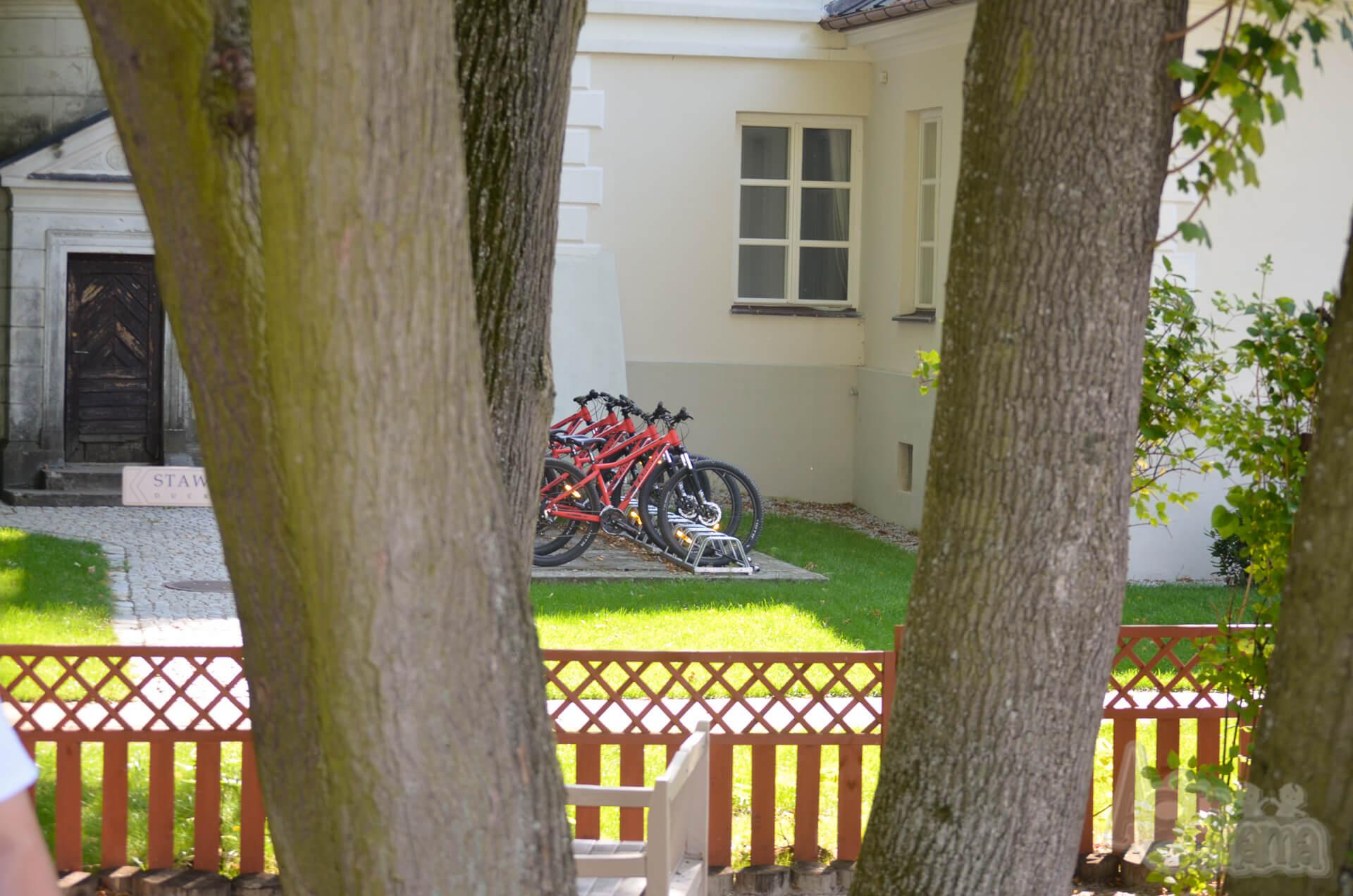 Pałac Mała Wieś rowery