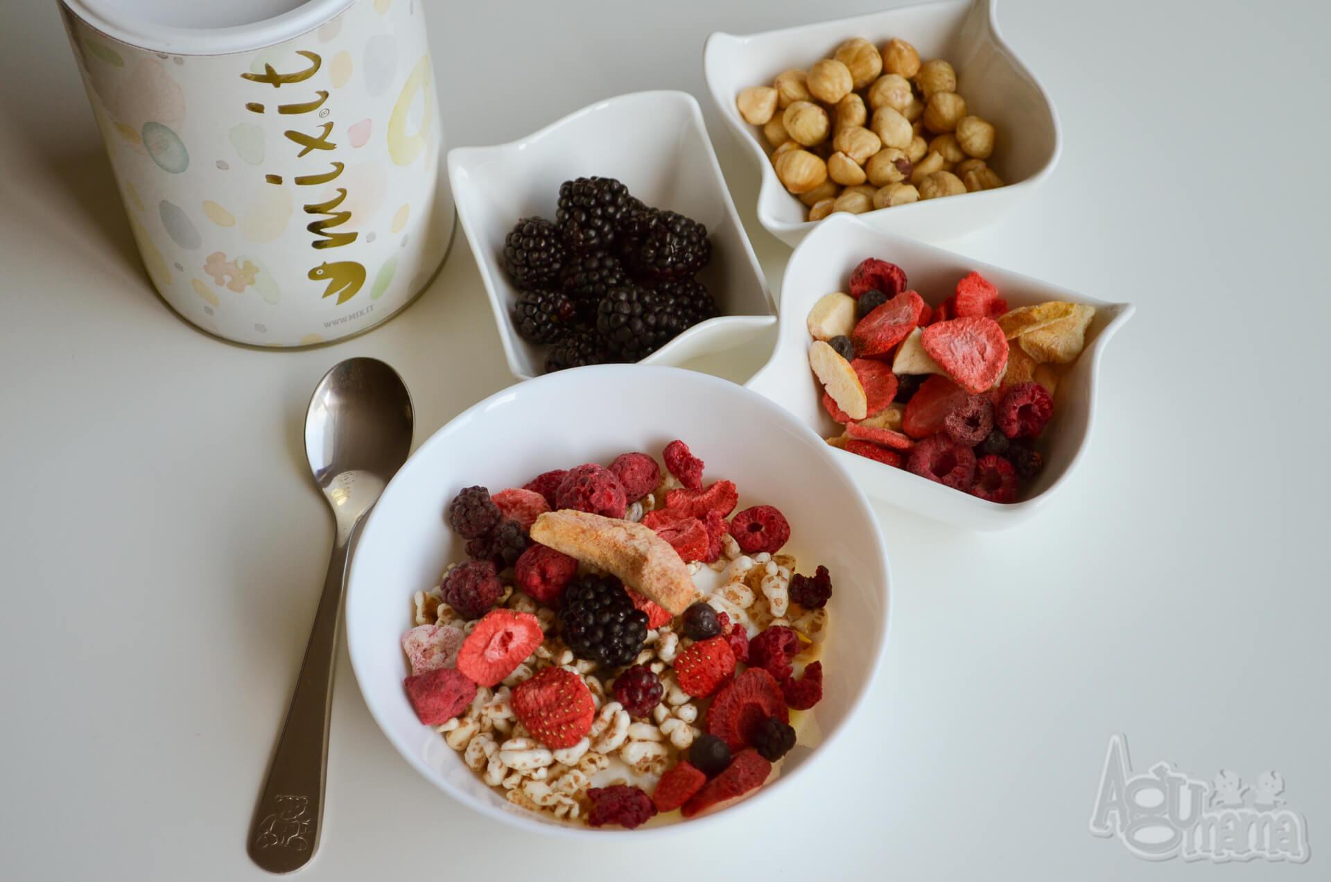 zdrowe śniadanie cały kolorowy i pyszny zestaw