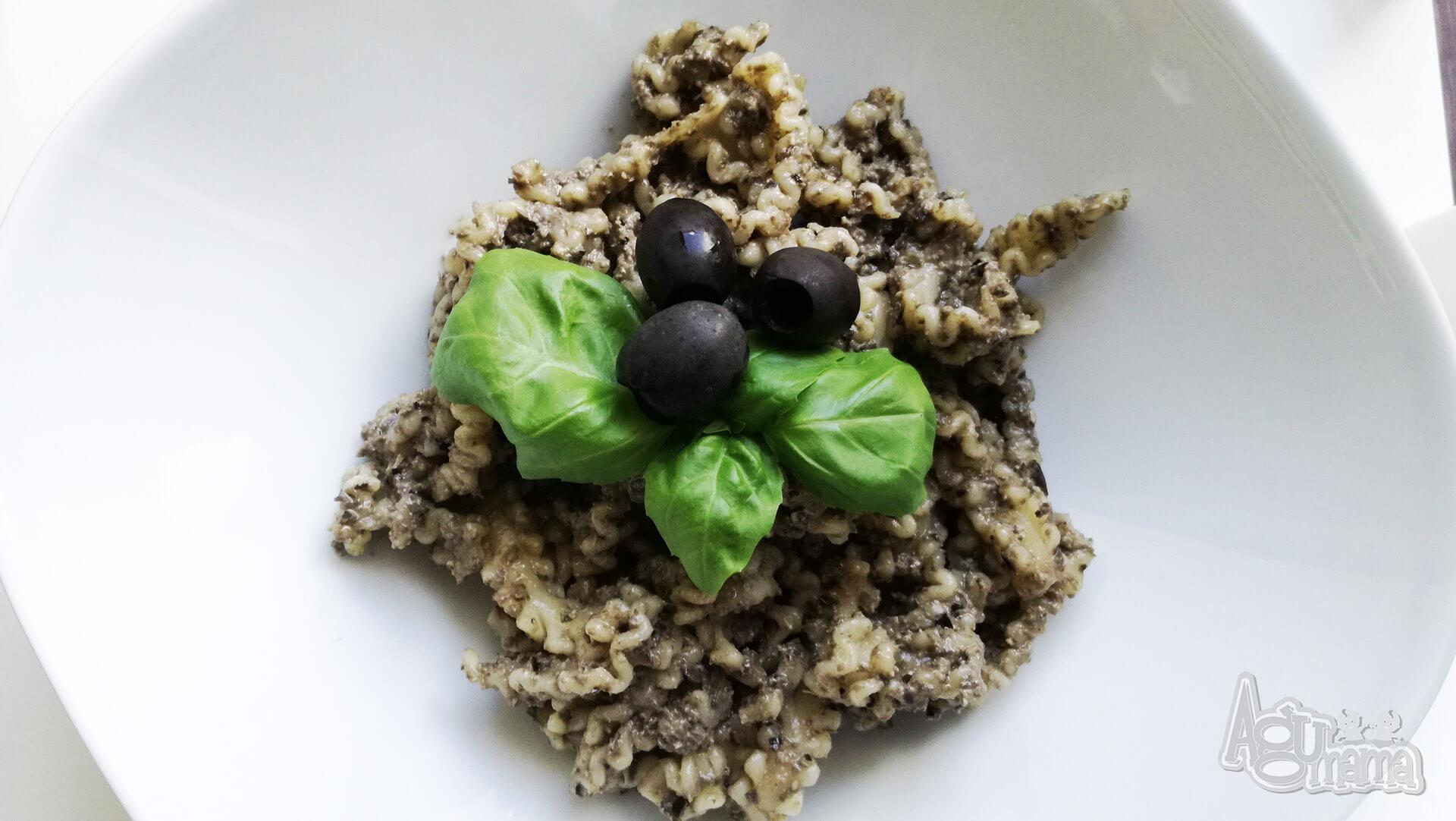 czarne pesto z oliwek sposób podania