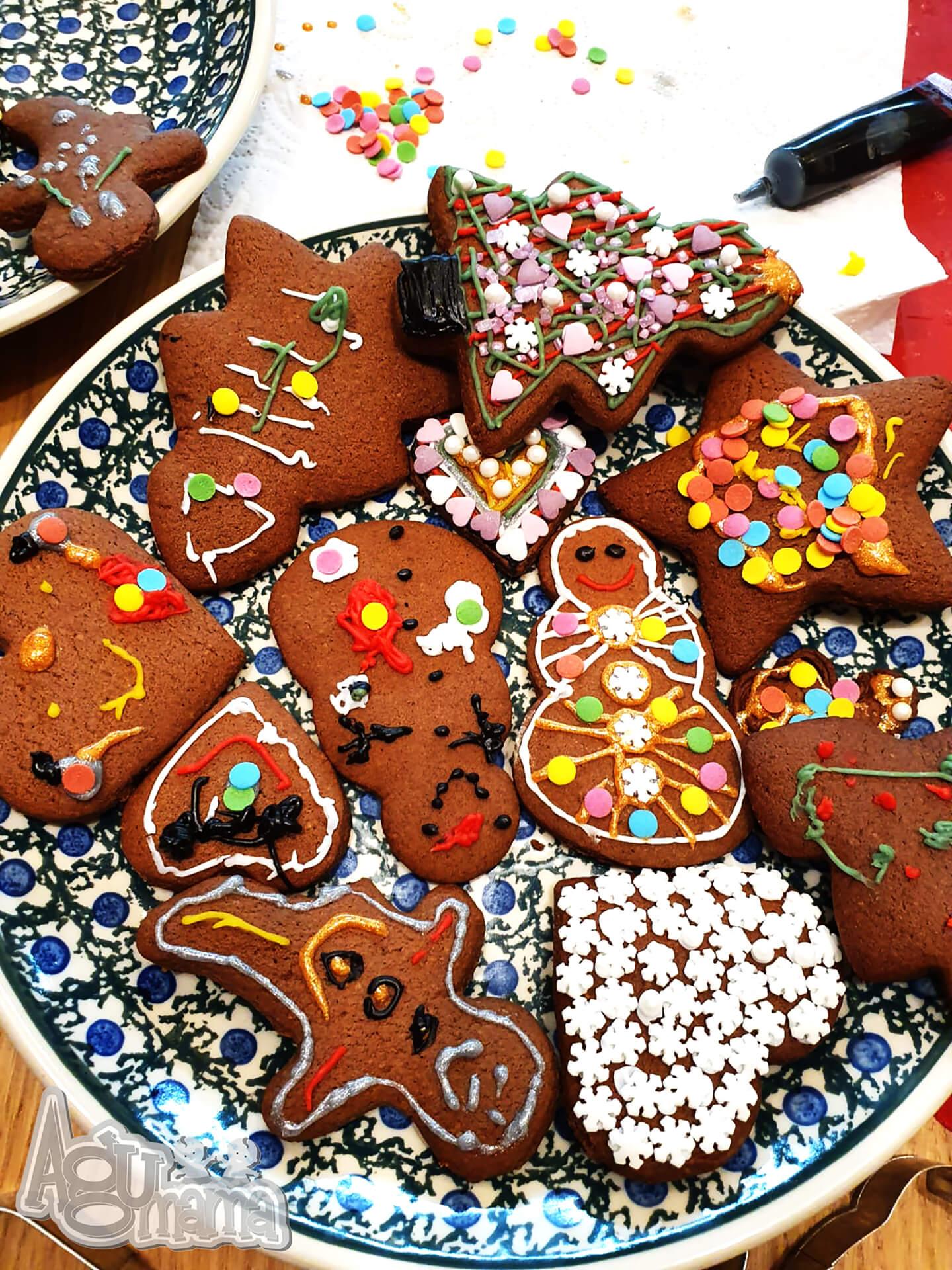 ozdobione świąteczne pierniki